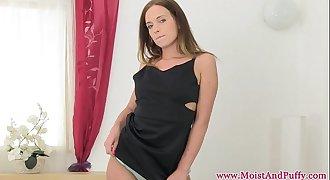 Petite bigtaco babe masturbating